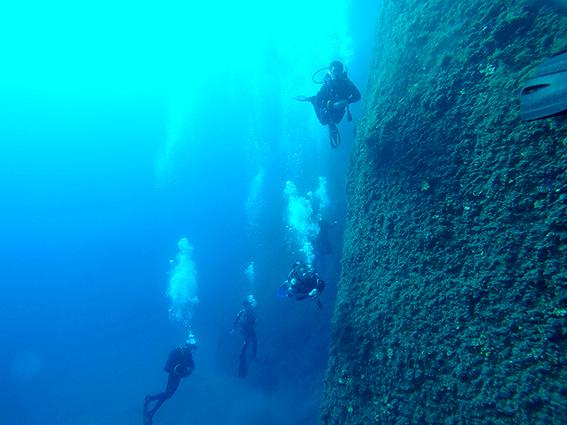 Wall Dives scuba diving Santorini Greece